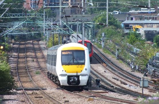 c2c Class 357 approaching West Ham